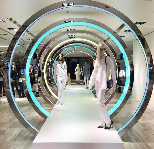 MGLuxuryNews lauren Crawford Pop Up display for Dior