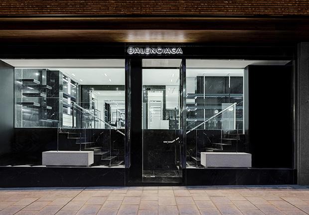 mgluxurynews Balenciaga's new boutique in Madrid