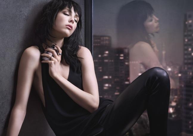 mgluxurynews Edie-Campbell-Black-Opium-campaign