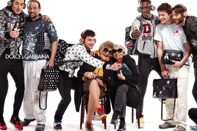 mgluxurynews family selfie Dolce&Gabbana